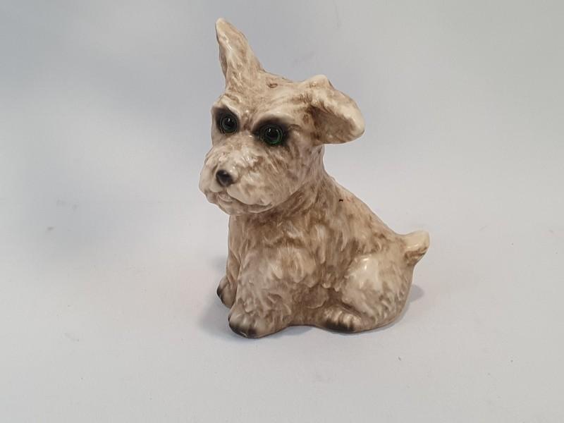 Porseleinen hond, goebel