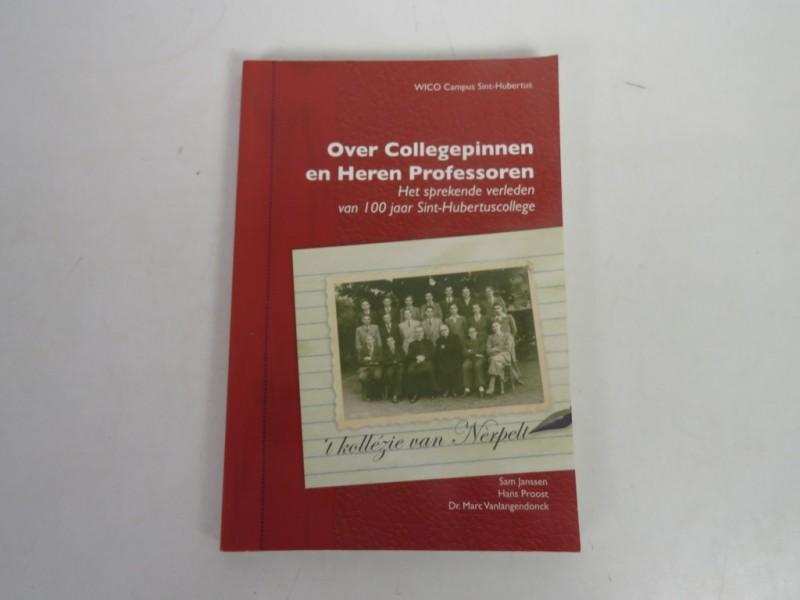 Boek - Over collegepinnen en heren professoren