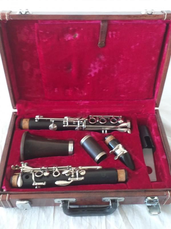 lederen koffer met klarinet