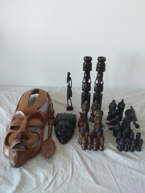 Set Afrikaanse schaakstukken en houten figuren