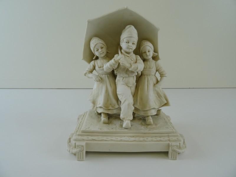 Porselein beeld Hollandse kinderen
