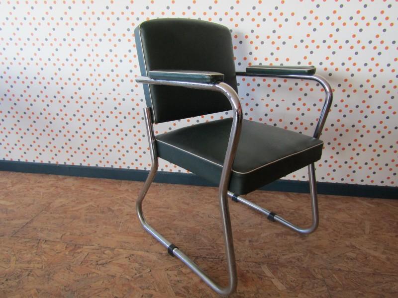 Retro Stoel in Bauhaus Stijl