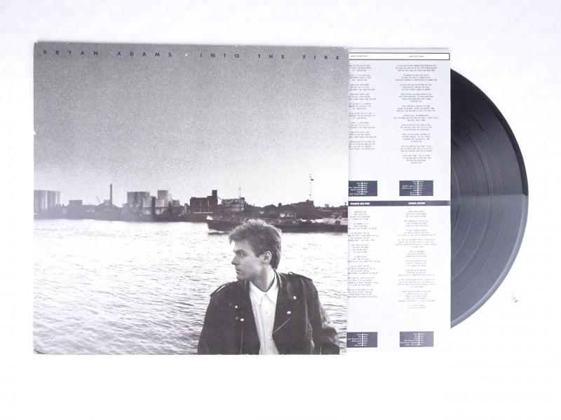 Vinyl album Bryan Adams-Into Fire + grote poster.