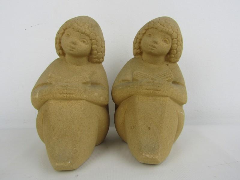 2 Beeldjes: Lezende Meisjes, Stone Art Belgium