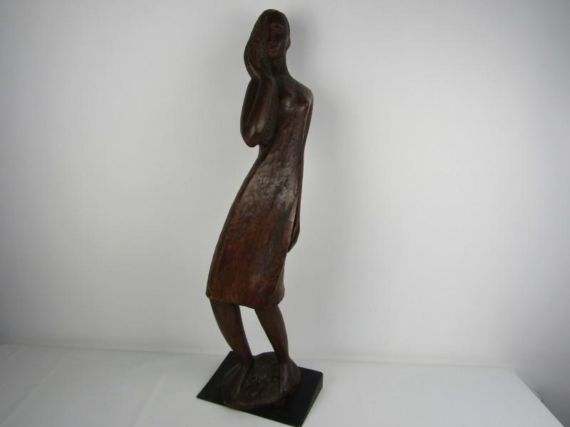 Groot Houten Kunstwerk: Dame van M. Coppens