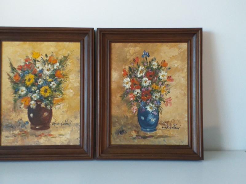 2 schilderijtjes met bloemen van Agnes Galland