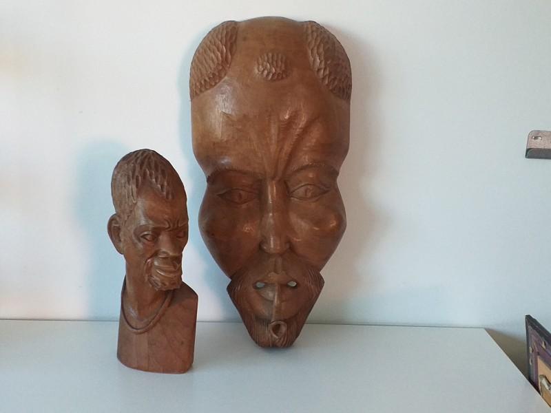 Afrikaanse houten buste en masker