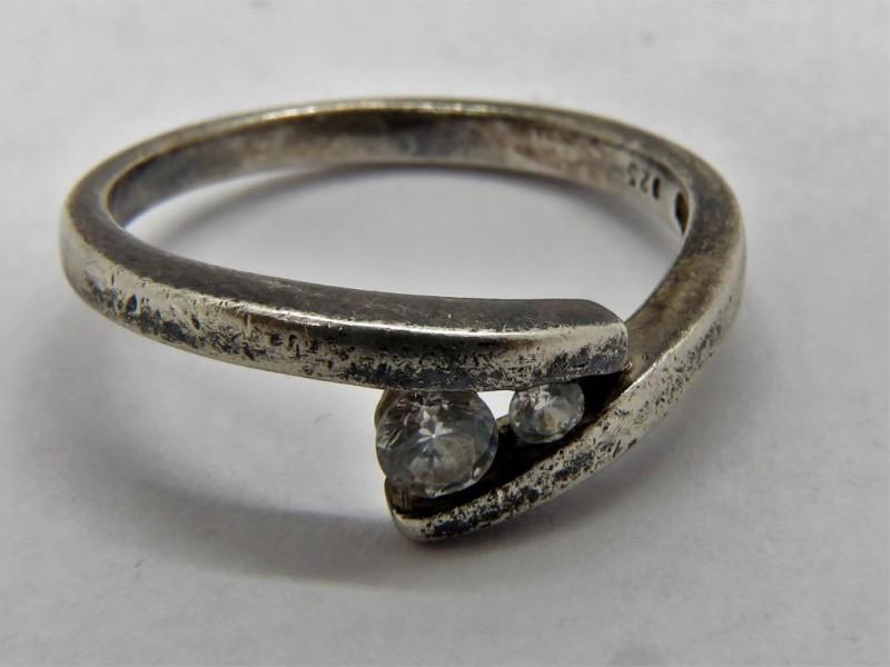Zilveren ring 925 met zirkonen