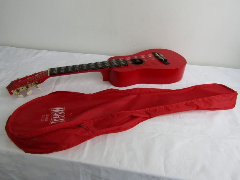 Ukulele / Guitar: Mahalo, UNG-30-RD + Opbergtas