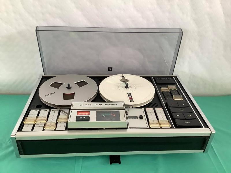 Hifi stereo opnameapparaat TK 745: Grundig