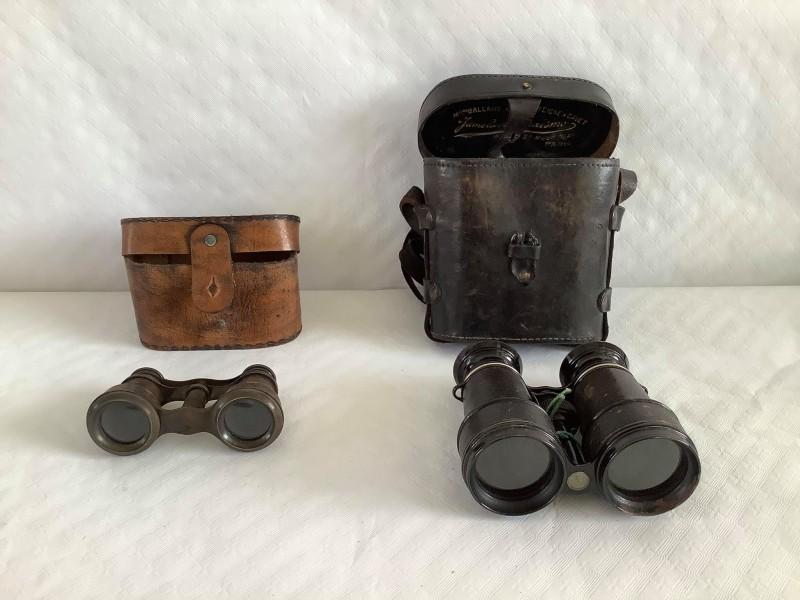 2 antieke verrekijkers