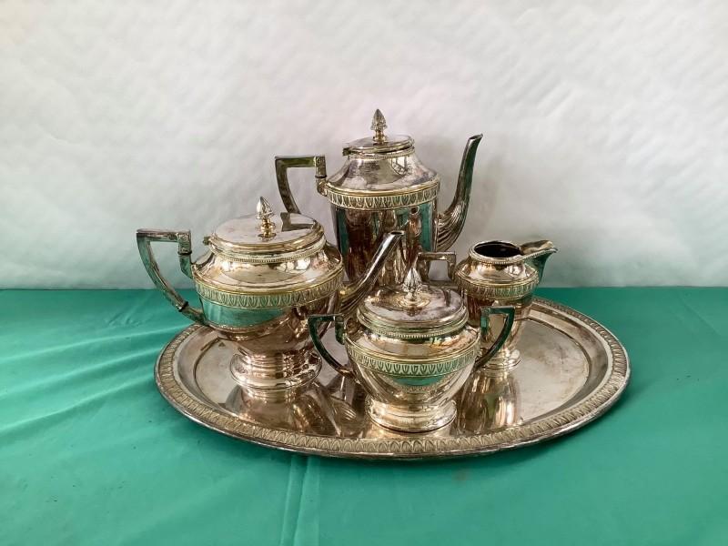 Verzilverde oude thee-/koffieset