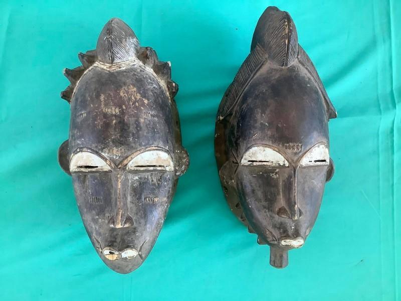 2 etnische maskers