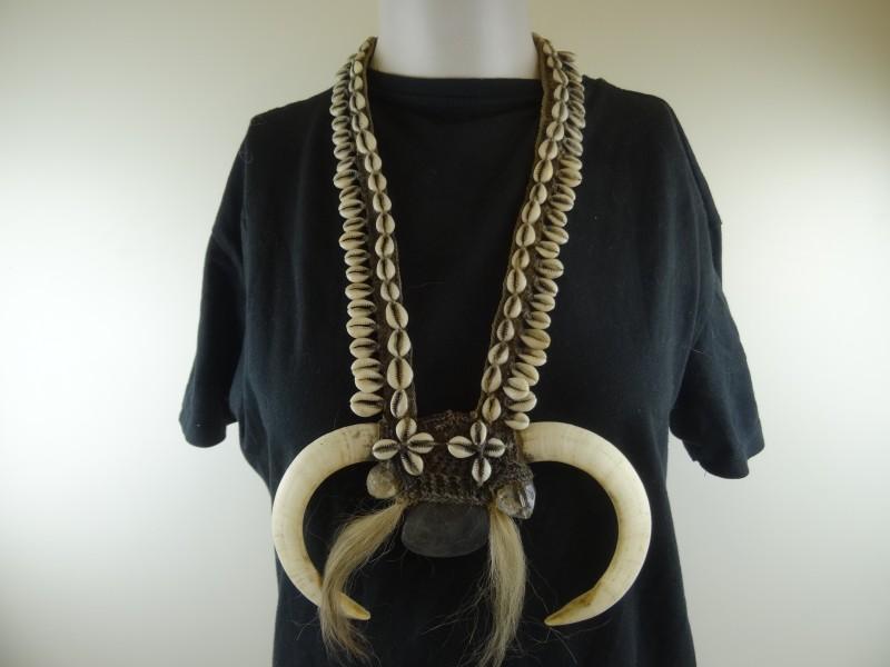 Oude Etnische halsketting