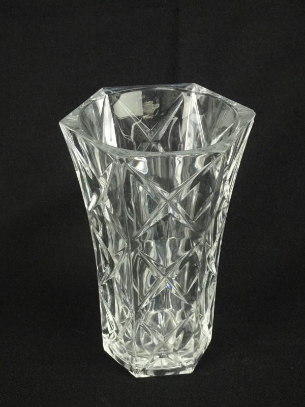 Kristallen vaas 20,5 cm hoog.