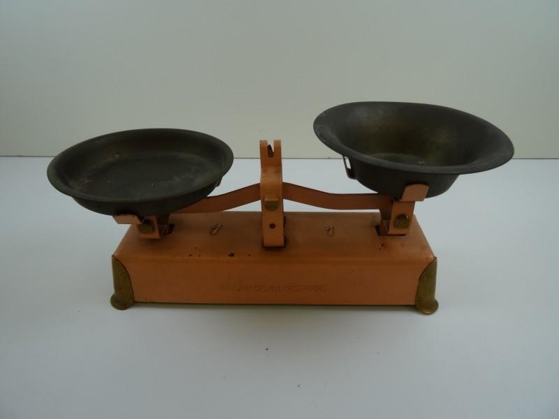vintage weegschaal voor kinderen;
