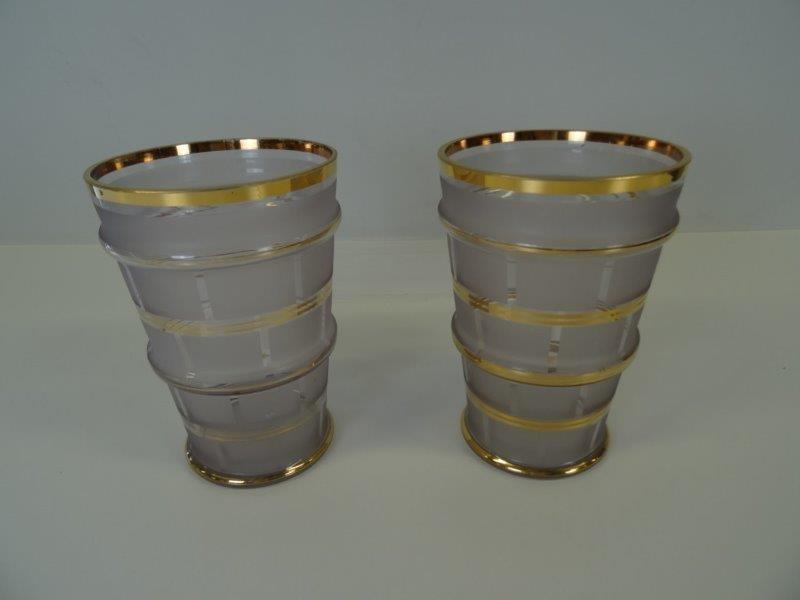 2 artdeco vazen met matglas