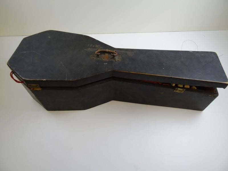 Mandoline van het merk Viscardo Maccolini Milano rond  1900