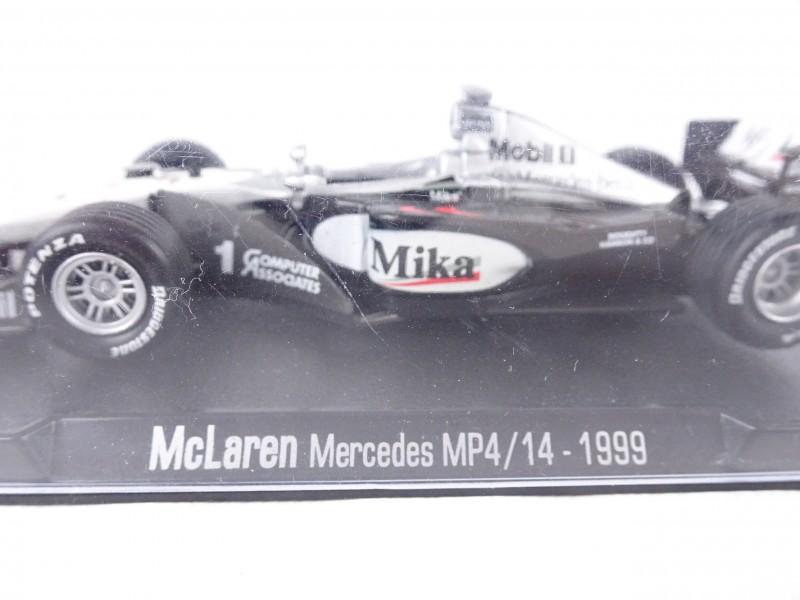Miniatuurwagen McLaren Mercedes MP4/14 – 1999 Mika Hakkinen.