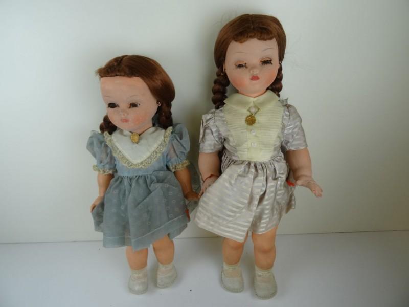 vintage: 2 poppen Bella in originele doos