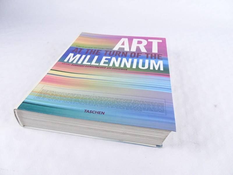 Boek: Kunst op de grens van een millennium.