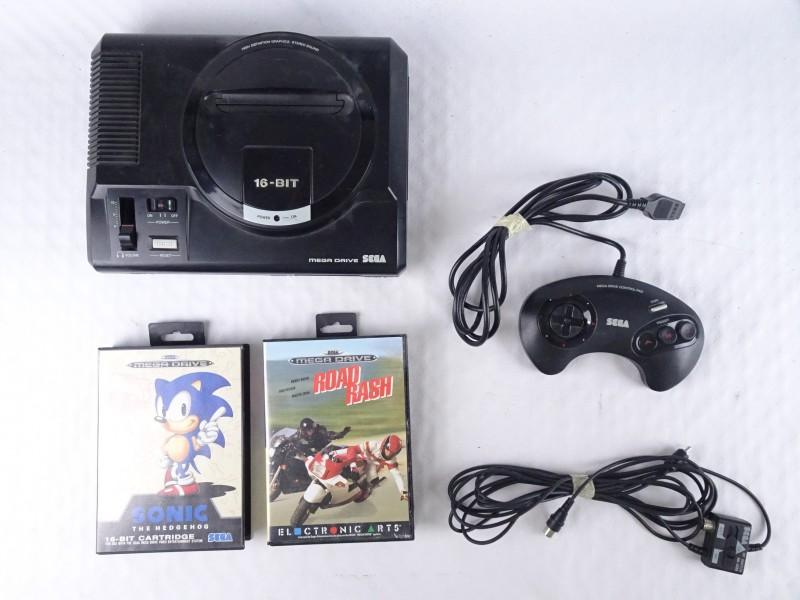Sega Mega Drive 16 Bit console + 2 games. (ZONDER ADAPTER)