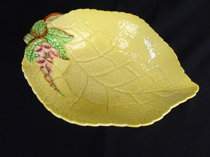 Aardewerk fruitschaal gemerkt Carltonware.