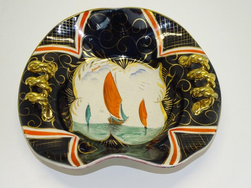 Decoratief Bord: Souvenir Oostende, H. Bequet Quaregnon, Belgie