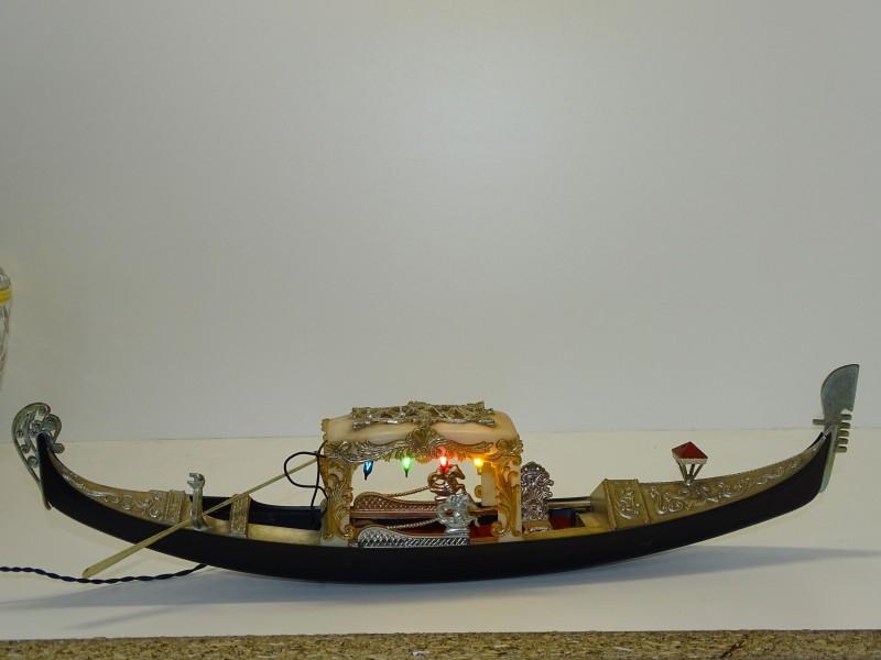 Decoratieve Gondola Venetië Met Lichtjes