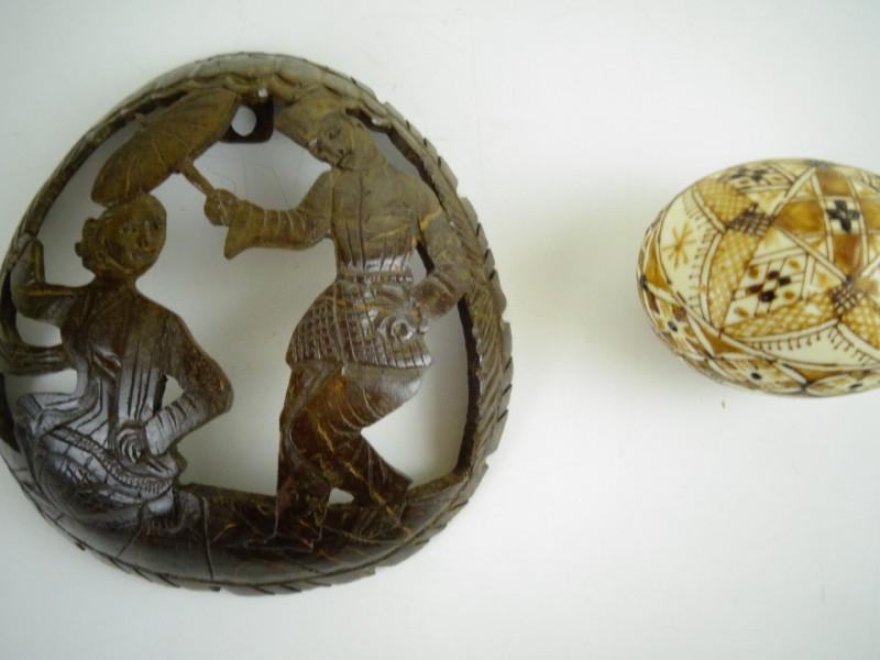 vintage Eischaal art + houtrelief