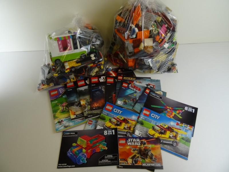 Lot van 2 lego zakken