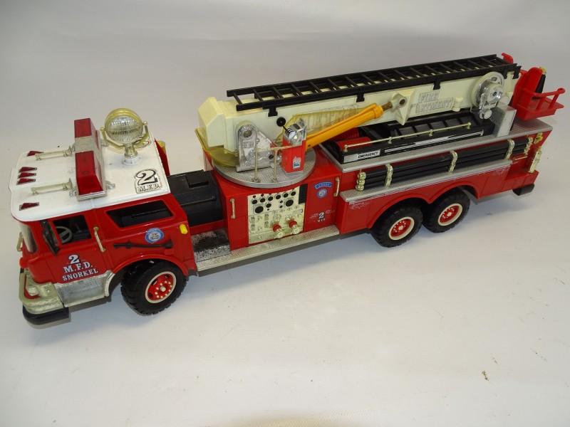 Speelgoed, Brandweerwagen 2 M.F.D. Snorkel