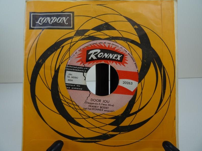 Single Franky Bodet- Barcelona gesigneerd op het label