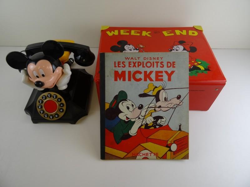 Lot Mickey Mouse: werkende telefoon, valiesje en oud stripalbum