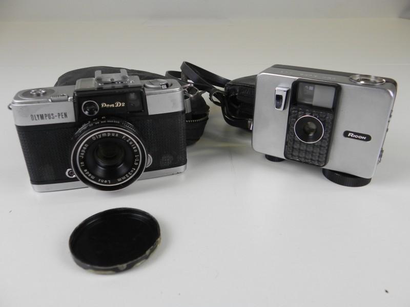 Lot 2 - 2 vintage fototoestellen - NIET getest