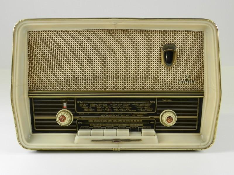 Retro Spezialsuper B8 Radio (met garantie)
