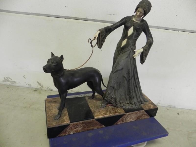Georges Gori - Elegante vrouw met hond