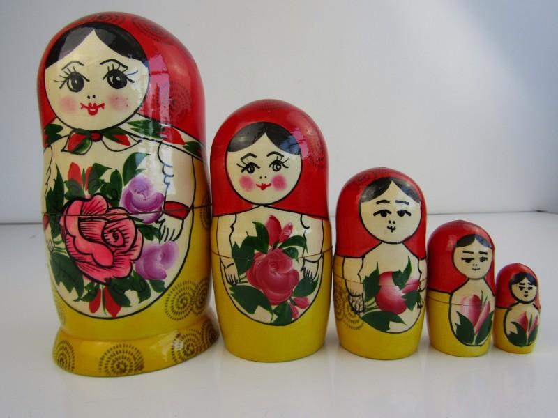 Set van 5 Gesigneerde Matroesjkas