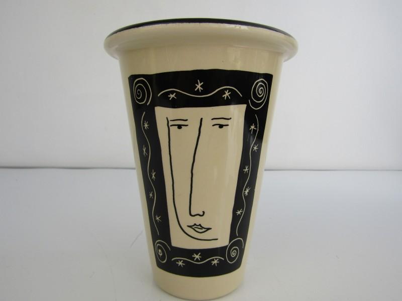 Vaas: Potterie Gemovers / Design: P.G. Olsson
