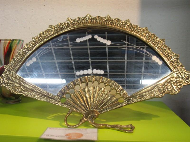 Spiegel in waaiervorm, Victoriaanse stijl