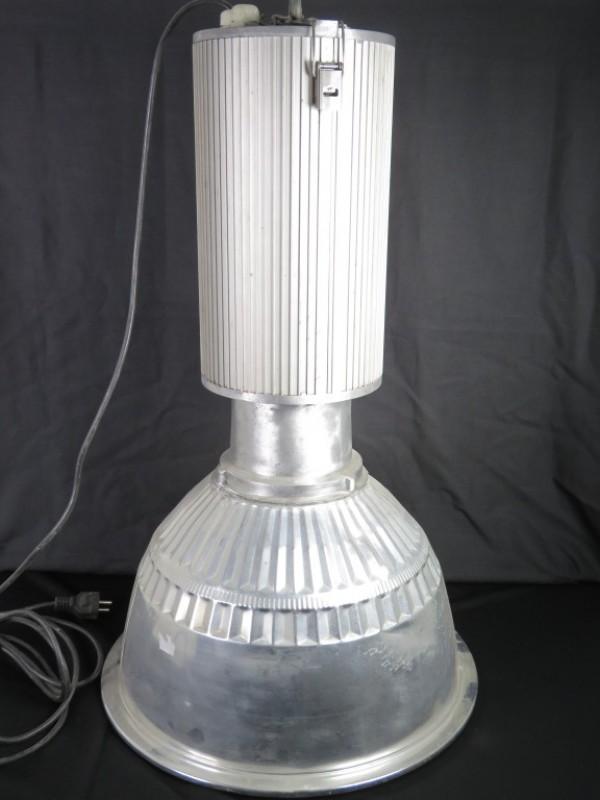 Lamp in industriële stijl