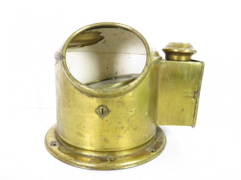 Koperen scheepskompas met olielamp