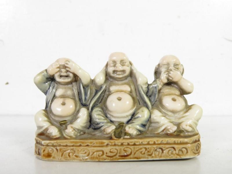 Beeldje Boeddha hoort, ziet en zwijgt