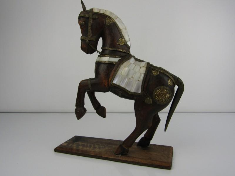 Houten Paard met Koper en Parelmoer