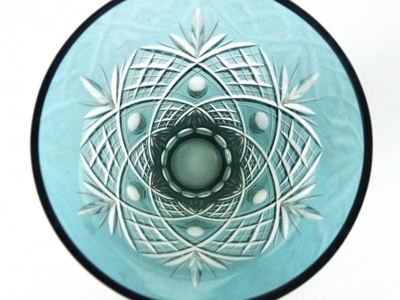 Geslepen kristallen vaas