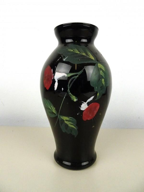 Vintage zwarte glazen vaas