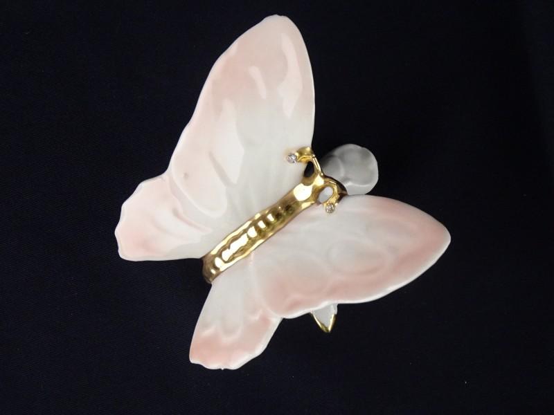 Porseleinen vlinder gemerkt Capodimonte