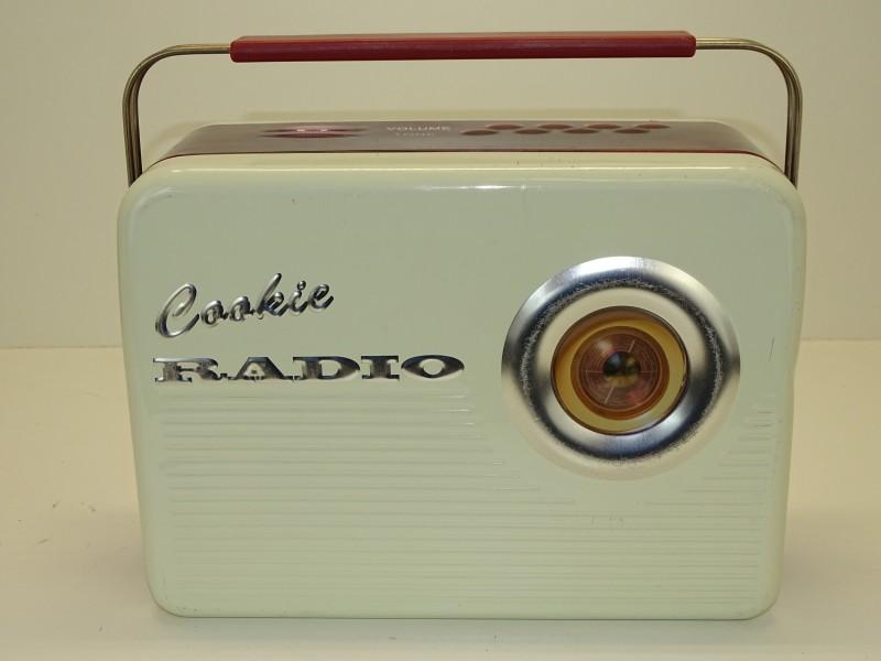Blikken Doos: Cookie Radio, Silver Crane Co Ltd