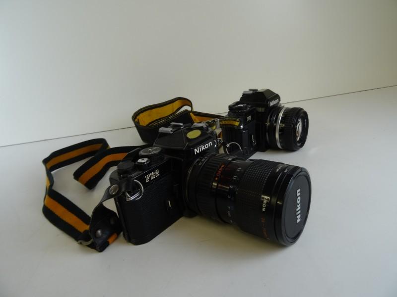 2 Camera's van NIKON