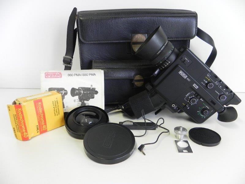Super 8 filmcamera Eumig 880 PMA met toebehoren en valiesje